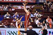 DESCRIZIONE : Milano Lega A 2014-15 <br /> EA7 Olimpia Milano - Acea Virtus Roma <br /> GIOCATORE : Linas Kleiza<br /> CATEGORIA : tiro controcampo three points <br /> SQUADRA : EA7 Olimpia Milano<br /> EVENTO : Campionato Lega A 2014-2015 <br /> GARA : EA7 Olimpia Milano - Acea Virtus Roma<br /> DATA : 12/04/2015<br /> SPORT : Pallacanestro <br /> AUTORE : Agenzia Ciamillo-Castoria/GiulioCiamillo<br /> Galleria : Lega Basket A 2014-2015  <br /> Fotonotizia : Milano Lega A 2014-15 EA7 Olimpia Milano - Acea Virtus Roma