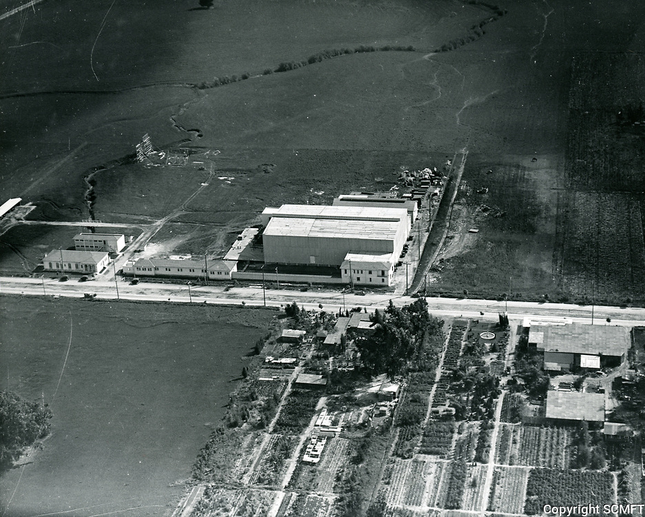 1921 Aerial of Jesse Hampton Studio on Santa Monica Blvd, later Pickford-Fairbanks and Samuel Goldwyn Studios