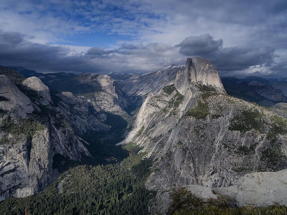 Yosemite, Ca - 2015: Yosemite Valley, 2015. Glacier Point view of Half Dome