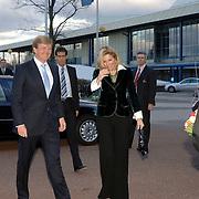 NLD/Amsterdam/20060409 -  Première Black Pinocchio, aankomst kroonprins Willem Alexander en prinses maxima