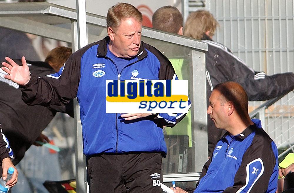 Fotball, Tippeliga, 22.05.05, Rosenborg ( RBK ) - Molde 1-1<br /> Hovedtrener Bo Johansson og ass.trener Odd Berg<br /> Foto: Carl-Erik Eriksson. Digitalsport