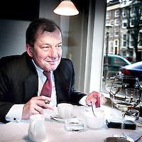 Nederland,Amsterdam ,21 maart 2007..Cees Bijloos, directievoorzitter van Nachenius Tjeenk in restaurant Zuid Zeeland aan de Herengracht...Foto:Jean-Pierre Jans