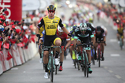 February 17, 2018 - Tavira, Portugal - Dylan Groenewegen of Team Lotto NL-Jumbo wins against Matteo Pelucchi of Bora-Hansgrohe the 4th stage of the cycling Tour of Algarve between Almodovar and Tavira, on February 17, 2018. (Credit Image: © Filipe Amorim/NurPhoto via ZUMA Press)