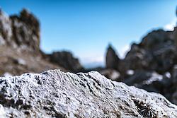 THEMENBILD - Bergsteigen in der Hochsteiermark, Raureif auf einem Felsen, TAC Spitze, aufgenommen am 17.11.2018, Eisenerz, Österreich // mountaineering in the Hochsteiermark, taken on 2018/11/17, Eisenerz, Austria, EXPA Pictures © 2018, PhotoCredit: EXPA/ Dominik Angerer