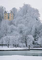THEMENBILD - das Monatsschlössl liegt auf einem kleinen Hügel oberhalb der verschneiten Parkanlage Hellbrunn. Im ehemaligen Jagdschloss befindet sich das Volkskundemuseum, aufgenommen am 06. Jänner 2021 in Salzburg, Oesterreich // the Monatsschlössl is situated on a small hill above the snow-covered Hellbrunn park. The folklore museum is located in the former hunting lodge, in Salzburg, Austria on 2021/01/06. EXPA Pictures © 2021, PhotoCredit: EXPA/Stefanie Oberhauser