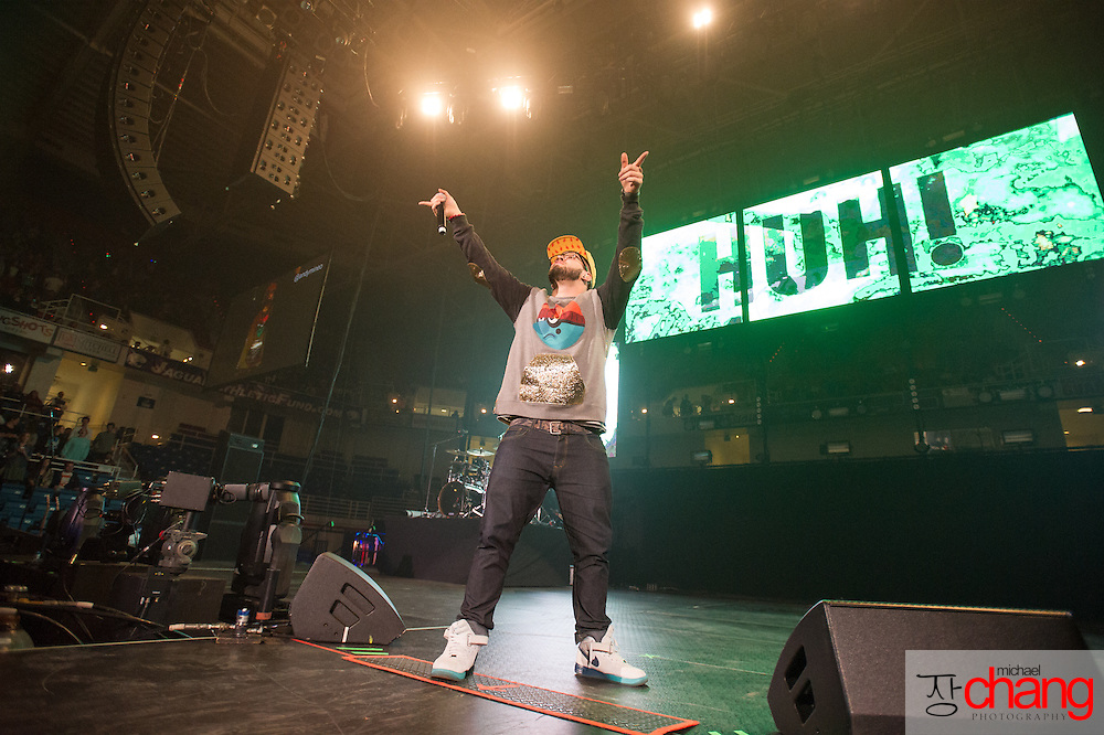 MOBILE, AL  - FEBRUARY 7: Andy Mineo performs during The Road Show Tour on February 7, 2014 in Mobile, Alabama.    (Photo by Michael Chang)