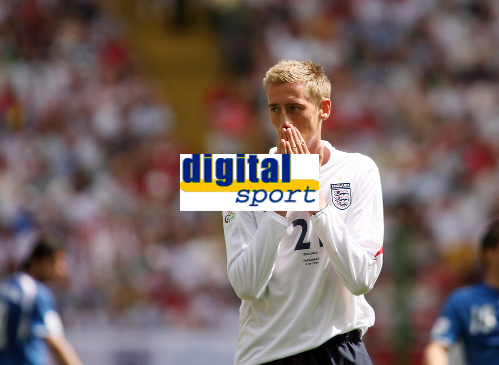 Photo: Chris Ratcliffe.<br /> England v Paraguay. Group B, FIFA World Cup 2006. 10/06/2006.<br /> Peter Crouch of England can't believed he missed this chance.