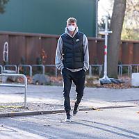 03.11.2020, Trainingsgelaende am wohninvest WESERSTADION -  , Bremen, GER, 1.FBL, Werder Bremen Training<br /> <br /> Ankunft der Spieler am Dienstag morgen zum Corona Test und Trainingsauftakt der Woche mit CORONA Alltagsmasken (Mund-Nasen-Bedeckung)<br /> <br /> Nick Woltemade (werder Bremen #41)<br /> <br /> Foto © nordphoto / Kokenge
