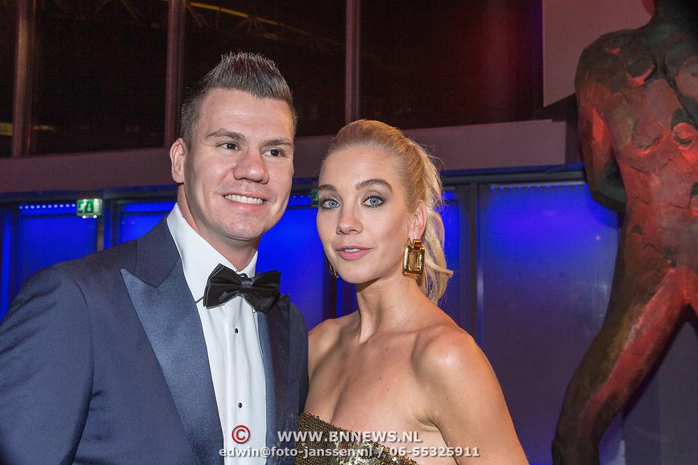 NLD/Amsterdam/20181219 - NOC*NSF Sportgala 2018, Jelle van Gorkum en partner Doete de Vries