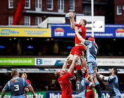 George Kruis of Saracens claims the lineout<br /> <br /> Photographer Simon King/Replay Images<br /> <br /> European Rugby Champions Cup Round 4 - Cardiff Blues v Saracens - Saturday 15th December 2018 - Cardiff Arms Park - Cardiff<br /> <br /> World Copyright © Replay Images . All rights reserved. info@replayimages.co.uk - http://replayimages.co.uk