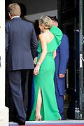 Aankomst van de koninklijke gasten op Paleis Het Loo voor het Diner.<br /> <br /> Arrival of the royal guests at Het Loo Palace for Dinner.<br /> <br /> Op de foto / On the photo:  Koning Willem-Alexander en Koningin Maxima / King Willem-Alexander and Queen Maxima