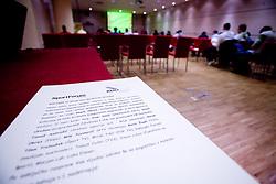 Okrogla miza na temo o vlogi medijev (predvsem televizije), pri popularizaciji in razvoju slovenskega nogometa v organizaciji SportForum Slovenija, Austria Trend Hotel, Ljubljana, 23. april 2009. (Photo by Vid Ponikvar / Sportida)