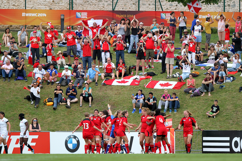 Canada score a try. England v Canada Pool A match at WRWC 2014 at Centre National de Rugby, Marcoussis, France, on 9th August 2014