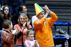 05-03-2006 VOLLEYBAL: FINAL 4 HEREN:  ORION - ORTEC NESSELANDE: ROTTERDAM<br /> In een mooie finale was Nesselande in 3 sets te sterk voor Orion / Supporters van Nesselande<br /> Copyrights2006-WWW.FOTOHOOGENDOORN.NL