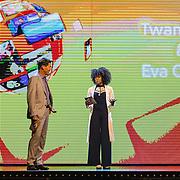 NLD/Amsterdam/20160822 - Seizoenpresentatie NPO 2016, Twan Huys en Eva Cleven