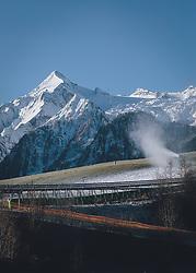THEMENBILD - Beschneiung mit Schneekanonen der Talabfahrt am Familienberg Maiskogel (Gletscherbahn Kaprun), aufgenommen am 21. November 2020 in Kaprun, Oesterreich // Snowmaking with snow cannons on the valley run on the family mountain Maiskogel (Kaprun glacier lift), in Kaprun, Austria on 2020/11/21. EXPA Pictures © 2020, PhotoCredit: EXPA/Stefanie Oberhauser