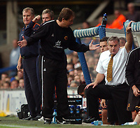 Fotball<br /> England<br /> Foto: SBI/Digitalsport<br /> NORWAY ONLY<br /> <br /> Coca-Cola Championship.<br /> Ipswich Town v  Wolverhampton Wanderers 30/08/2004<br /> <br /> Wolverhampton Wanderers' assistant manager Stuart Gray trys to make a point to his boss, Dave Jones