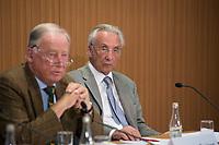DEU, Deutschland, Germany, Berlin, 21.08.2017: Alexander Gauland und Rolf Böhnke, Alternative für Deutschland (AfD), bei einer Pressekonferenz zum Asyl- und Entwicklungspolitischen Konzept der AfD.