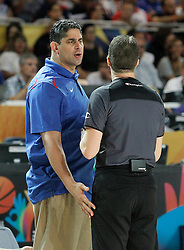 02.09.2014, City Arena, Bilbao, ESP, FIBA WM, Finnland vs Dominikanische Republik, im Bild Dominican Republic's coach Orlando Antigua have words with the referee // during FIBA Basketball World Cup Spain 2014 match between Finland and Dominican Republic at the City Arena in Bilbao, Spain on 2014/09/02. EXPA Pictures © 2014, PhotoCredit: EXPA/ Alterphotos/ Acero<br /> <br /> *****ATTENTION - OUT of ESP, SUI*****