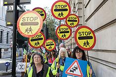 2021-10-21 XR Roads Rebellion protest outside Treasury