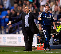 Photo: Jed Wee/Sportsbeat Images.<br /> Bolton Wanderers v Chelsea. The FA Barclays Premiership. 07/10/2007.<br /> <br /> Chelsea manager Avram Grant (L) with assistant Steve Clarke.