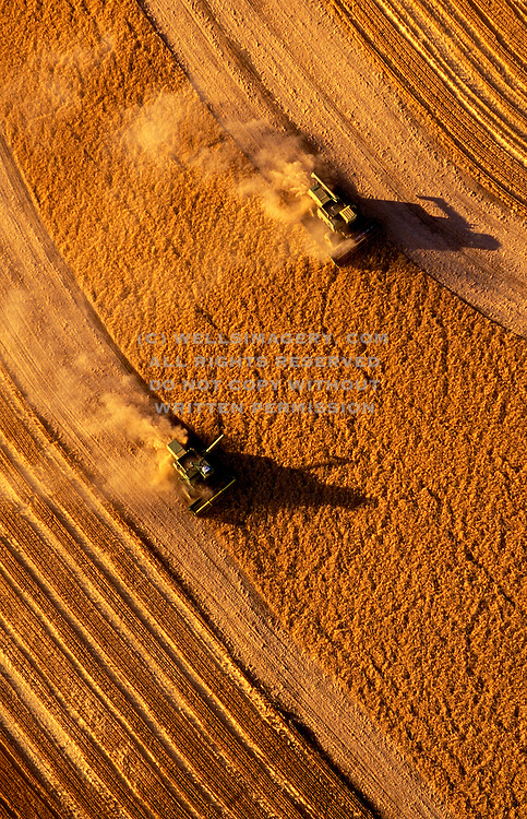 Image of wheat harvesting in the Palouse, Waitsburg, eastern Washington, Pacific Northwest, property released by Randy Wells