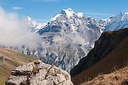 Jungfrau gesehen von Via Alpina oben das Sefinental