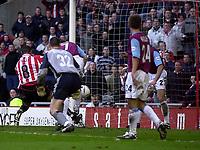 Photo. Glyn Thomas.<br /> Sunderland v West Ham United.<br /> Nationwide Division 1.<br /> Stadium of Light, Sunderland. 13/03/2004.<br /> Sunderland's Jeff Whitley (L) scores his side's second goal.
