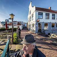 Nederland, Amsterdam, 25 november 2016.<br /> Café t Sluisje aan de Nieuwendammerdijk in Amsterdam Noord.<br /> Café 't Sluisje is een oud, bruin café en bestaat al meer dan 100 jaar.<br /> <br /> Foto: Jean-Pierre Jans