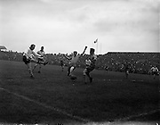 05/05/1957<br /> 05/05/1957<br /> 05 May 1957<br /> Soccer: Final of Top Four Competition: Evergreen United v Drumcondra at Dalymount Park Dublin.