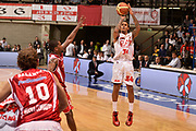 DESCRIZIONE : Desio campionato serie A 2013/14 EA7 Olimpia Milano Giorgio Tesi Group Piastoia <br /> GIOCATORE : David Moss<br /> CATEGORIA : tiro<br /> SQUADRA : EA7 Olimpia Milano<br /> EVENTO : Campionato serie A 2013/14<br /> GARA : EA7 Olimpia Milano Giorgio Tesi Group Piastoia<br /> DATA : 04/11/2013<br /> SPORT : Pallacanestro <br /> AUTORE : Agenzia Ciamillo-Castoria/R. Morgano<br /> Galleria : Lega Basket A 2013-2014  <br /> Fotonotizia : Desio campionato serie A 2013/14 EA7 Olimpia Milano Giorgio Tesi Group Piastoia<br /> Predefinita :
