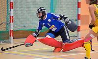 UTRECHT - Keeper Adinda Boeren tijdens oefenwedstrijd van het Nederlands dames zaalhockeyteam tegen Australie. COPYRIGHT KOEN SUYK