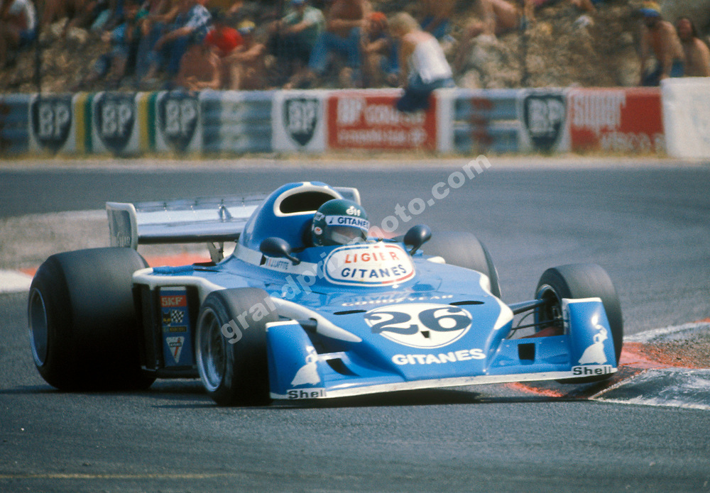 Jacques Laffite (Ligier-Matra) goes over the kerbs in the 1976 French Grand Prix at Paul Ricard. Photo: Grand Prix Photo