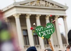 """29.11.2015, Innere Stadt, Wien, AUT, Globaler Marsch """"System Change, not Climate Change!"""" anlässlich des ab morgen stattfindenden Klimagipfel """"COP21"""" in Paris. im Bild Schild """"Tut was! Jetzt"""" vor dem Parlament // during global climate march in austria according climate summit in paris in the inner city in Vienna, Austria on 2015/11/29 EXPA Pictures © 2015, PhotoCredit: EXPA/ Michael Gruber"""