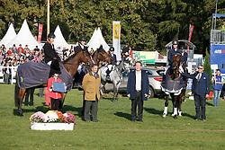 Team KWPN, Alexis Roques, Dante K, (FRA), Merel Blom, The Quizmaster, (NED), Kai-Steffen Meier, Nyala d'Arville, (GER)<br /> Third place WBFSH World Championship Trophy of Studbooks<br /> Mondial du Lion - Le Lion d'Angers 2015<br /> © Dirk Caremans<br /> 18/10/15