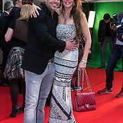 NLD/Amsterdam/20140422 - Premiere The Amazing Spiderman 2, Andy van der Meyde en partner Melisa Schaufeli