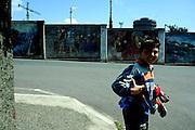 Il muro di cinta nel quartiere Cotone adiacente all' acciaieria Lucchini.<br /> 23 aprile 2014 . Daniele Stefanini /  OneShot