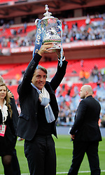 14.05.2011, Wemblay Stadium, ENG, FA CUP FINALE, Manchester City vs Stoke City im Bild Manchester City's Manager Roberto Mancini    in the celebration for winning the  130th  FA Cup Final  between Manchester City and Stoke City at Wembley Stadium in London    on 14/05/2011, EXPA Pictures © 2011, PhotoCredit: EXPA/ IPS/ M. Pozzetti *** ATTENTION *** UK AND FRANCE OUT!