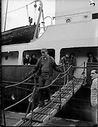 """17/01/1960<br /> 01/17/1960<br /> 17 January 1960<br /> The """"City of Waterford"""" sails from Dublin with a cargo of horses for export."""