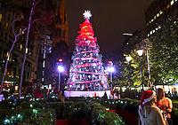 MELBOURNE - Terwijl in Nederland het Sinterklaasfeest nog moet wordt gevierd is het Austalische Melbourne al helemaal in de ban van de kerst. ANP KOEN SUYK