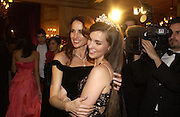 Andie Macdowell and her daughter Rainsford Qualley. The 2005 Crillon Debutante Ball. Crillon Hotel, Paris. 26  November 2005. ONE TIME USE ONLY - DO NOT ARCHIVE  © Copyright Photograph by Dafydd Jones 66 Stockwell Park Rd. London SW9 0DA Tel 020 7733 0108 www.dafjones.com