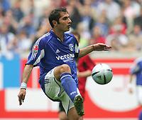 Fotball<br /> Bundesliga Tyskland 2004/2005<br /> Foto: Witters/Digitalsport<br /> NORWAY ONLY<br /> <br /> Hamit ALTINTOP<br /> Fussballspieler FC Schalke 04