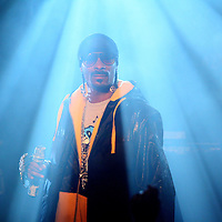 """MINNEAPOLIS, MN - JANUARY 25: Snoop Dogg performs while promoting his new album, """"Doggumentary"""" at The Cabooze on the West Bank club on Tuesday, January 25, 2011 in Minneapolis, Minnesota.  (Photo by Adam Bettcher/Getty Images) *** Local Caption *** Snoop Dogg"""