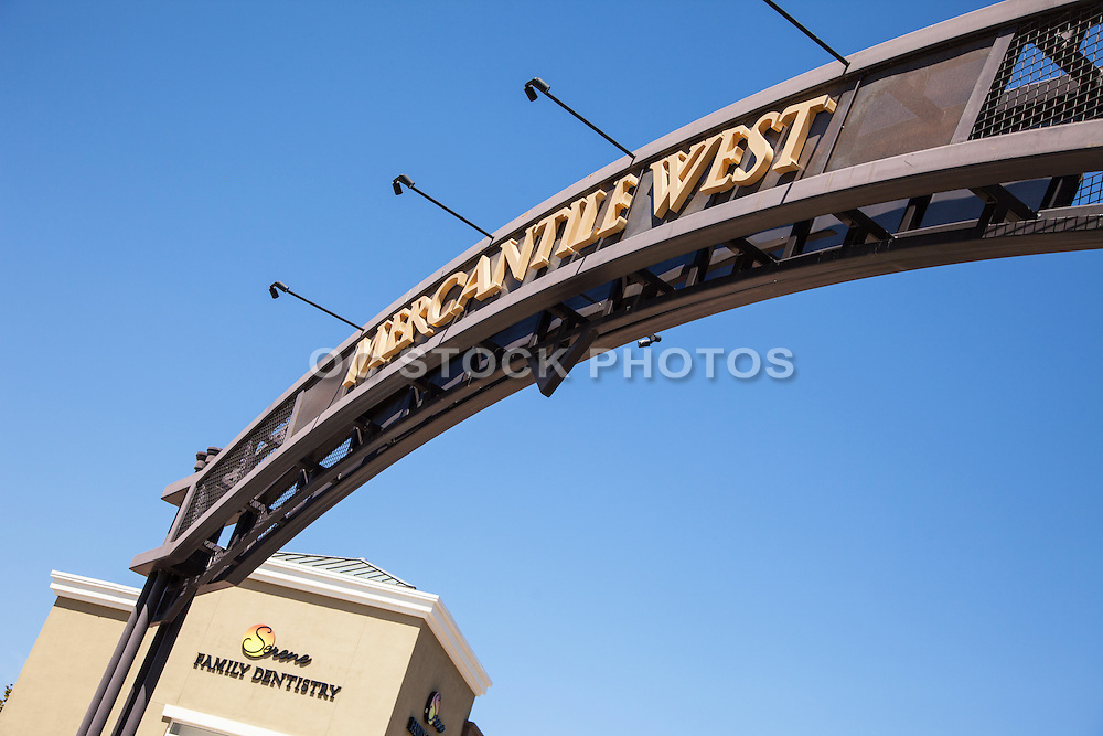 Mercantile West Plaza Ladera Ranch
