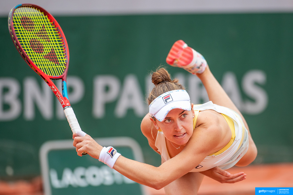 PARIS, FRANCE May 25.  Francesca Di Lorenzo of the United States in action during her victory against Priscilla Hon of Australia on the second day of the qualifying tournament at the 2021 French Open Tennis Tournament at Roland Garros on May 25th 2021 in Paris, France. (Photo by Tim Clayton/Corbis via Getty Images)