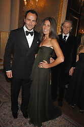 TOM FORD and ELIZABETH SALTZMAN at the Ark 2007 charity gala at Marlborough House, Pall Mall, London SW1 on 11th May 2007.<br /><br />NON EXCLUSIVE - WORLD RIGHTS