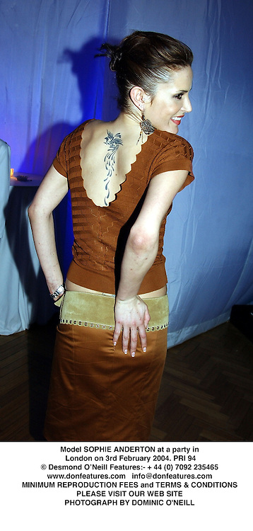 Model SOPHIE ANDERTON at a party in London on 3rd February 2004.PRI 94