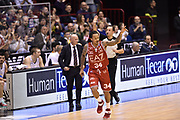 DESCRIZIONE : Milano Lega A 2014-15 <br /> EA7 Olimpia Milano - Acea Virtus Roma <br /> GIOCATORE : Dave Moss<br /> CATEGORIA : esultanza mani<br /> SQUADRA : EA7 Olimpia Milano<br /> EVENTO : Campionato Lega A 2014-2015 <br /> GARA : EA7 Olimpia Milano - Acea Virtus Roma<br /> DATA : 12/04/2015<br /> SPORT : Pallacanestro <br /> AUTORE : Agenzia Ciamillo-Castoria/GiulioCiamillo<br /> Galleria : Lega Basket A 2014-2015  <br /> Fotonotizia : Milano Lega A 2014-15 EA7 Olimpia Milano - Acea Virtus Roma
