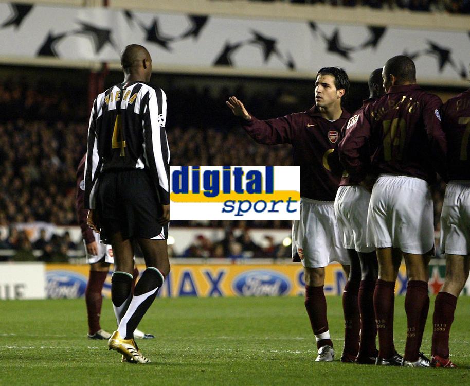 Photo: Chris Ratcliffe.<br /> Arsenal v Juventus. UEFA Champions League. Quarter-Finals. 28/03/2006.<br /> Cesc Fabregas tells Patrick Vieira what is what