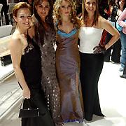 Premiere Songfestival in Concert, Marisca van Kolck, Laura Vlasblom, Brigitte Nijman en Fabienne de Vries